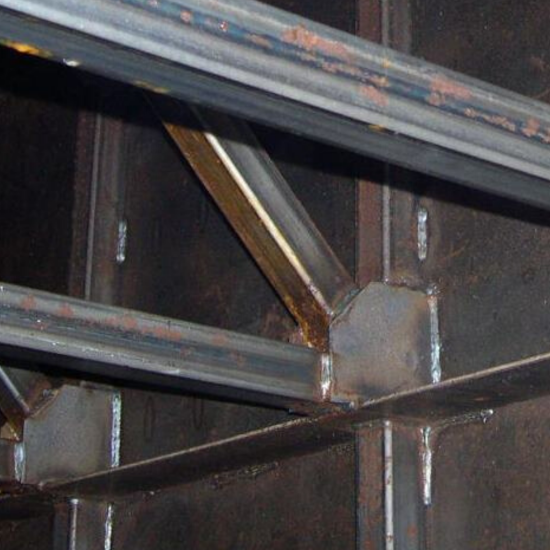 Internal Bracing Is Bad for above ground fuel tanks