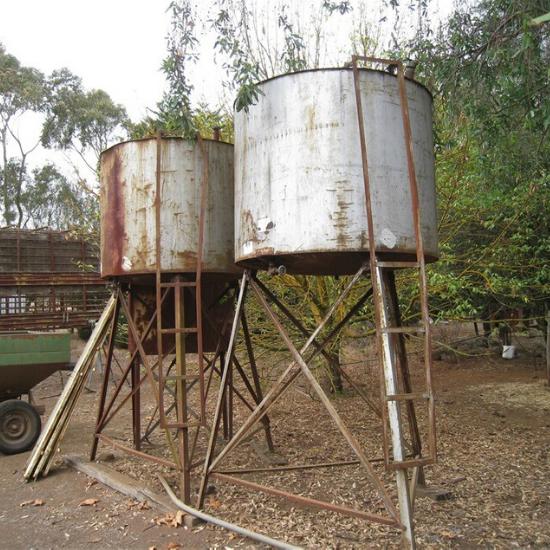 Non Compliant Tripod Farm Tank